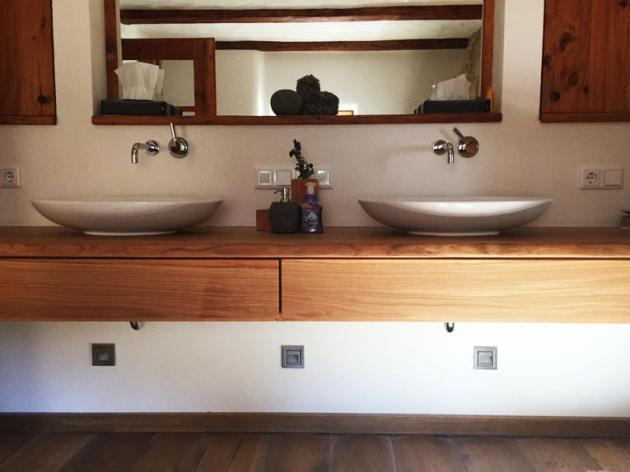 Waschtisch aus Eiche mit Schubkasten