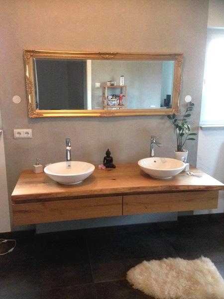 waschtischunterschrank aus holz rustikal massiv eiche baumkante waschtisch unterschrank. Black Bedroom Furniture Sets. Home Design Ideas