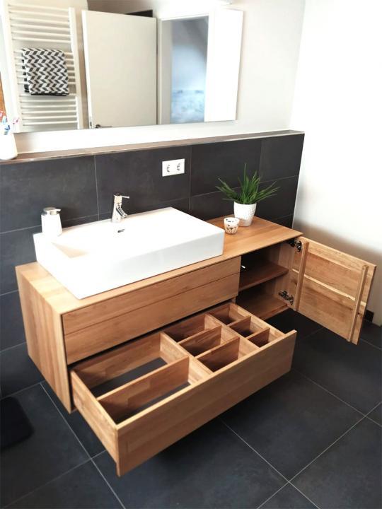Waschtisch aus Eiche massiv mit drei Schubkasten und einer Tür