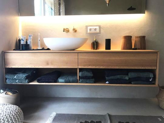 Waschtisch aus Eiche massiv mit zwei Schubkasten