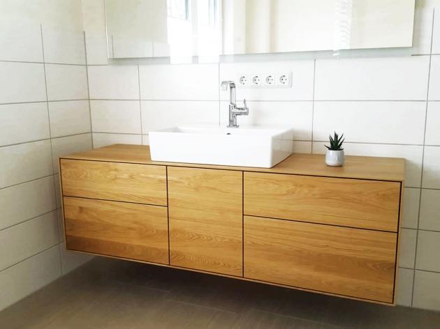 Waschtisch aus Eiche massiv mit vier Schubkasten und einer Tür