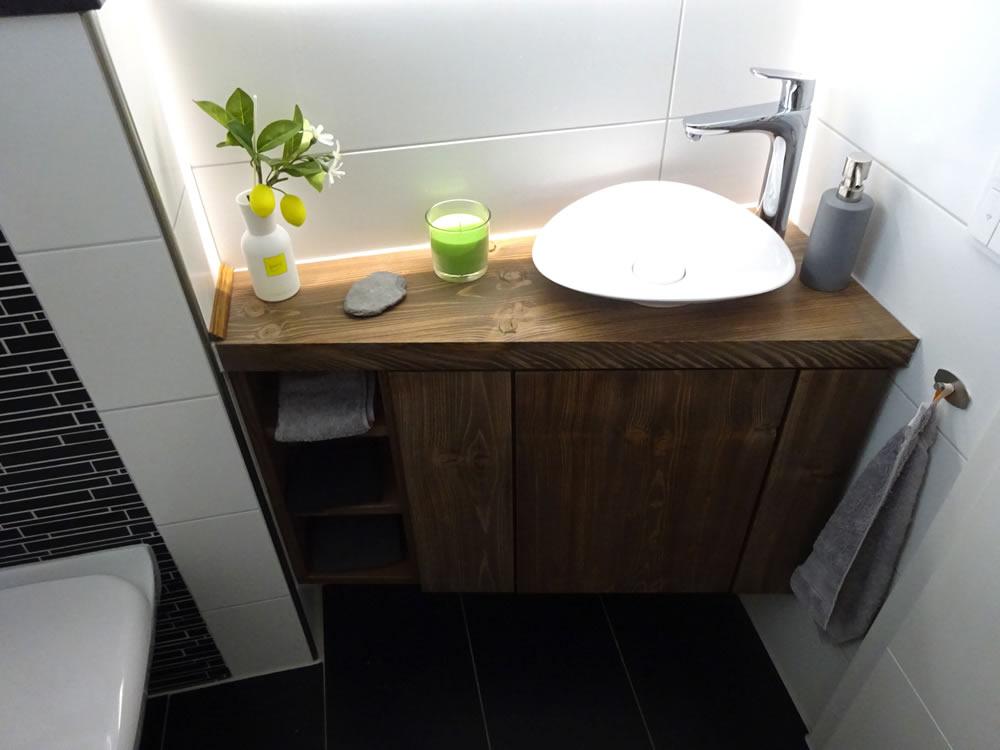 waschtisch aus fichte dunkel ge lt. Black Bedroom Furniture Sets. Home Design Ideas